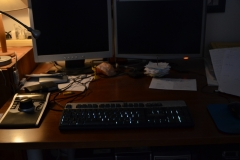 Arbeitsplatz mit Monitoren