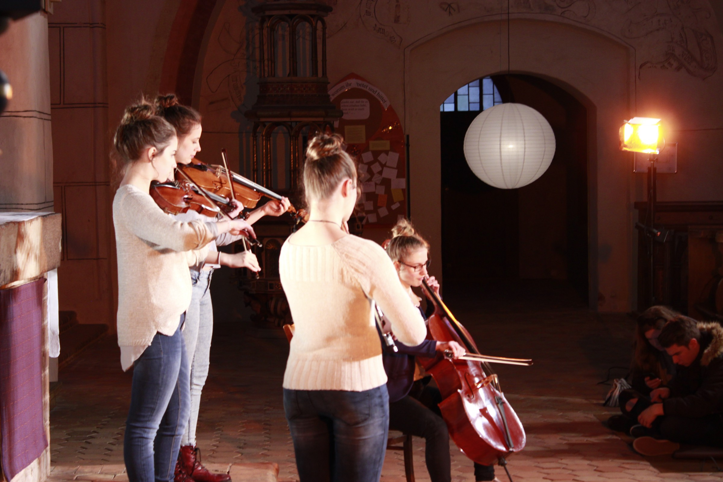MusikvideoKircheBTS-58